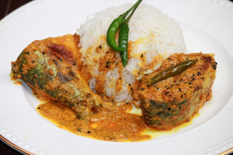 Hilsa Curry