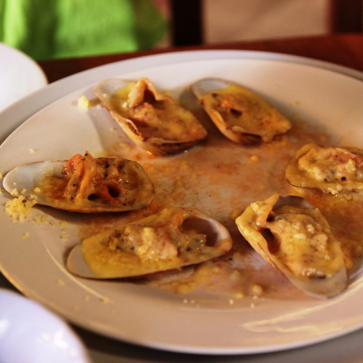 Machas A La Parmesana