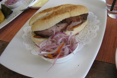 Sandwich De Chicharron